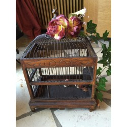 Decoratief houten vogelkooitje